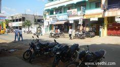 Busy street in Maraimalai Nagar near Chennai