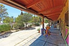 The landscape is drought-resistant and lends itself beautifully to the western style of the home. Must see to appreciate. Extra bonus: Las Virgenes Unified School District. Featured in: MUSICAL HOUSES - Homes and Secret retreats of Music Stars. Must see to appreciate!