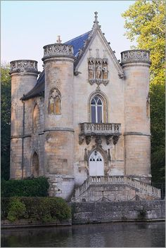 "sunsurfer:  13th Century ""Castle of the White Queen"", Chantilly, France  photo via naturepixel"