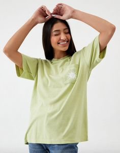 Desert Dreamer caters to your inner sunseeker with the Le Soleil Recycled Pocket T-Shirt. This comfy tee is complete with short sleeves, crew neckline, and single chest pocket with sun graphic.