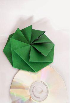 origami - sobre octogonal plegado en papel, ideal para guardar cds