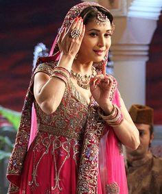Gulab Gang gets Madhuri Dixit back with her mentor Saroj Khan!