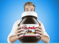 """Die Nutella Magnumpackung ist da! Man nehme den wohl besten Frühstücksgenuß der Welt von Firma Ferrero, nämlich NUTELLA und schmeisse nur so mit Kilos umsich .. manchmal nennt man es auch """"Weihnachtsedition"""" und manchmal einfach nur bei der Wahrheit -> 27.300 Kalorien!"""