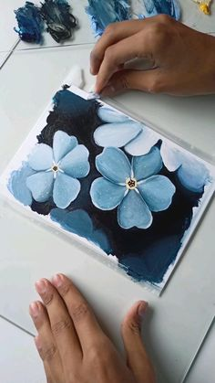 Sketch Painting, Diy Painting, Painting Videos, Art Drawings Sketches Simple, Small Drawings, Watercolor Paintings, Watercolor Flowers, Watercolors, It Goes On