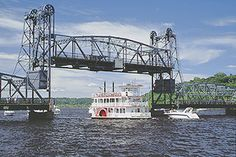 Stillwater, Minnesota lift bridge♥ I've been here and on the boat! Amazing experience! Hope to go again one day!
