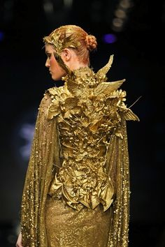 """""""Black & Gold Glamour"""" seriously?? where do you EVER see this being worn in real life?"""