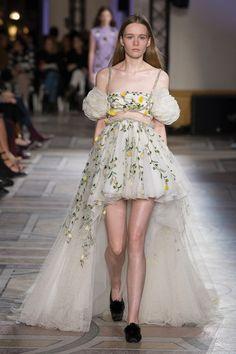 Giambattista Valli   Haute Couture - Spring 2018   Look 22