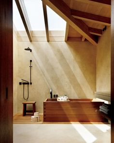 Japanese wooden soaking tub 🛀 Nobu Ryokan, Carbon Beach, Malibu CA, by Montalba Architects and Studio PCH, completed 2017 soaking tubs wooden Japanese Bathtub, Japanese Soaking Tubs, Japanese Style Bathroom, Interior Architecture, Interior And Exterior, Wooden Bathtub, Japanese Interior, Japan Design, Modern House Design