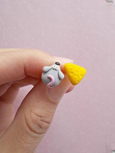 Mouse and cheese earrings created from polymer clay without molds or forms. The lenght of each earring is 1 cm. ❀ Because i make everything by hand, the item you receive may differ slightly than shown on the pictures. ❀ Price is for one pair of earrings. ❀ I ship the orders very quickly, in
