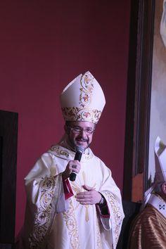 """Vengo a servir"": Monseñor Lira Rugacía"