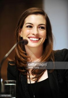 Anne Hathaway attends the Nobel Peace Prize Concert press conference at the Plaza Hotel on December 11, 2010 in Oslo, Norway.