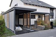 Wooden car shelter – 18 DIY ideas for sheltering your car House Design, House, House Front, House Exterior, Carport Designs, Exterior Design, New Homes, Modern Garage, Modern Carport
