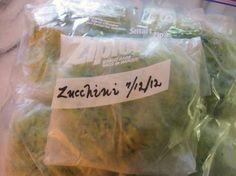 How to freeze zucchini http://www.agardenforthehouse.com/2012/07/how-i-freeze-zucchini/