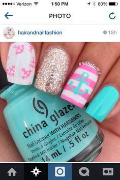 Summer beach nails via Instagram