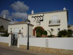 www.facebook.com/PauloBaptistaERA  House T4 / Loulé, Almancil - 4 Bedrooms luxury Villa, with pool in a plot of 1000 sqm, one minute drive to Vale do Lobo. $695000 (please read €uros)