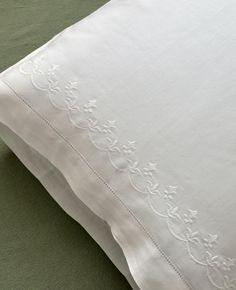 This is a set of 2 cotton pillowcases with an intricate fleur de lis design. Each pillowcase measures approx. 20 x 30 and will fit any standard or queen size pillow. Absolutely gorgeous and will dress up any bedding. Beige Bed Linen, Bed Linen Sets, Linen Pillows, Linen Bedding, Bed Pillows, Bed Linens, Restoration Hardware Bedding, Personalized Pillow Cases, Velvet Bed