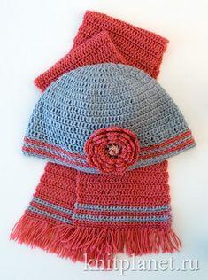 Готовимся к весне: легкая шапочка и шарф связаны крючком. Вы сможете связать этот нарядный комплект быстро и просто.
