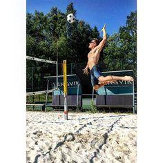 Todays cardio: beach volley @langvikhotel #langvikhotel #långhotsummer #juhannus2016 #långvik #beachvolley #kesä #summer #vapaapäivä #aurinko #lauantai #viikonloppu #juhannus #kesäloma    http://www.langvik.fi/