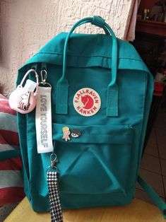 ocean green 🌻 kanken - Kelly World Mochila Kanken, Mochila Jansport, Kanken Backpack, Backpack Bags, Duffle Bags, Messenger Bags, Laptop Backpack, Cute Backpacks, School Backpacks