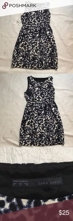 NWT Zara A line dress with pockets This is a white thicker cotton almost fabric with a black slip liner. Has a side zipper and POCKETS! Perfect for fall!! You can always add layers and wear it into the color months too!!! Zara Dresses Mini
