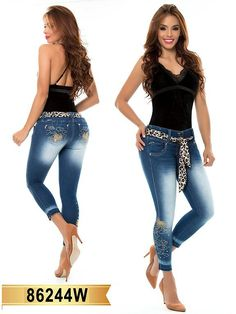 Ropa Colombiana a Tu medidas💙 fashion is my passion 👌 nice jeans levantacolas www.hotredfashion.com  #fashion #denim #levantacolas www.hotredfashion.com #jeans #glam Best Jeans, Capri Pants, Passion, Denim, Nice, Capri Trousers, Nice France, Jeans