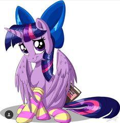 Book: how to look cute Mlp My Little Pony, My Little Pony Friendship, Princesa Twilight Sparkle, Mlp Comics, Mlp Fan Art, Mlp Pony, Simple Backgrounds, Original Artwork, Female Hair