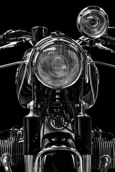 Motorcycle - Motorcycles - Classic Bikes - Beautiful Black & White BMW?