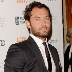 Jude Law Urges Continued Ban of Seal Fur, Pens PETA Letter to WTO #judelaw #celebs #fur #seals #animals #PETA #animalrights