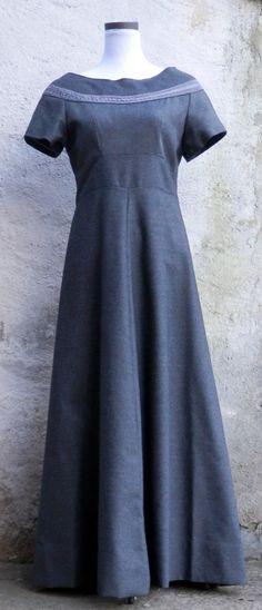 Grey wool fantasy long dress di LaborARTorIA su Etsy