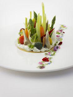 Relais & Chateaux - Le Prieuré Hotel and restaurant in a village 7, place du Chapitre 30400 Villeneuve lez Avignon (Gard) France #relaischateaux
