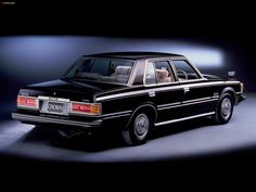 Toyota Crown Royal Saloon Sedan (MS112) 1979–83