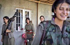 #bellaciao #Kobane è libera. Ricacciati via i nazisti dell'IS pic.twitter.com/ciuz7TzMJc