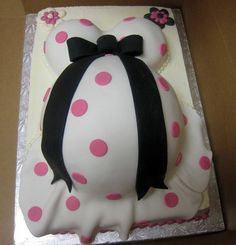 baby shower cake belly bump with lady bug | baby belly cake by tabatha