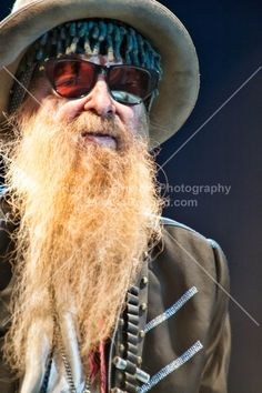 Billy Gibbons Zz Top Concert, Zz Top Billy Gibbons, Live Rock, Guitar Tips, Sharp Dressed Man, Music Is Life, Cool Bands, Rock N Roll, Guitars