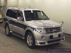 Mitsubishi Motors, Mitsubishi Pajero, Montero 4x4, Japan Cars, Ford Bronco, Jdm Cars, Car Cleaning, Broncos, Jeeps
