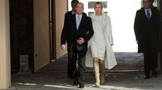 7. Januar 2014 - Prince Albert & Princess Charlene take a walk about after debuting their twins for the first time to the public of Monaco.