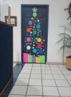 New Decor Ideas Office Christmas Door Decorations 40 Ideas New Decor Ideas Office Christmas Door Decorations 40 Ideas Christmas Door Decorating Contest, Office Christmas Decorations, Christmas Crafts For Kids, Simple Christmas, Christmas Art, Christmas Projects, Holiday Crafts, Tree Decorations, Fall Crafts