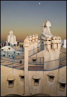 LA PEDRERA 2 (BARCELONA). La obra de GAUDÍ. Foto 11 by castillerozaldívar, via Flickr