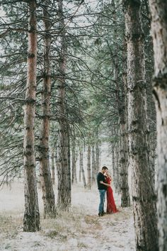 Absolutely stunning engagement photos! Wear a pop of color in a neutral landscape to achieve the same wow-factor (Witney Carson's engagement session)