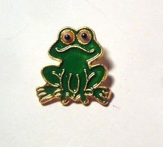 Realistic GREEN FROG Button ~ Modern Enamel on Gold Tone Metal in Collectibles, Sewing (1930-Now), Buttons, Metal | eBay