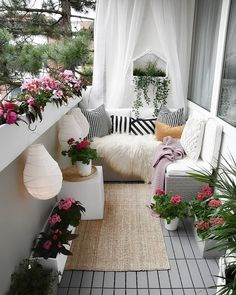 erbung / Advertisement (Markennennung) BALCONY TIME😍 Good evening😘Genießt euren Abend ♡ 🤗😘 😍 Everyone is now peacefulThe Effective Pictures We Offer You About Advertising Design minimal A quality picture can tell you many things. You can find the mos Small Balcony Decor, Small Balcony Garden, Small Balcony Design, Outdoor Balcony, Balcony Ideas, Design Patio, Small Balconies, Plants On Balcony, Small Patio Ideas Townhouse
