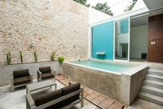 20 Best Mini Pool Design Ideas For Small Backyard - Hinterhof House, Home, Small Pools, Small Backyard, New Homes, Spa Pool, In Ground Pools, Outdoor Design, Mini Pool