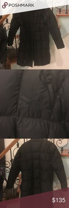 Long light weight north face coat In excellent condition very light weight but warm very sliming not crazy poofy coat. You won't be disappointed c 49 North Face Jackets & Coats
