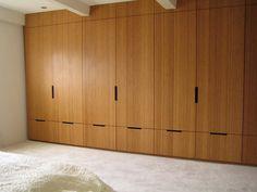 Built-in wardrobe - Meubelatelier Momentum Wardrobe Wall, Wardrobe Door Designs, Wardrobe Doors, Built In Wardrobe, Farm Bedroom, Modern Bedroom, Master Bedroom, Bedroom Decor, Bamboo Plywood