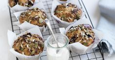 These healthy wholegrain blueberry and banana muffins are perfect for school and work lunch boxes. Blueberry Banana Muffins Healthy, Healthy Muffins, Healthy Snacks, Healthy Eats, Delicious Breakfast Recipes, Brunch Recipes, Snack Recipes, Health Recipes, Cupcake Recipes