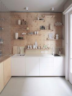 dezeen — Position Collective tailors Budapest apartment...