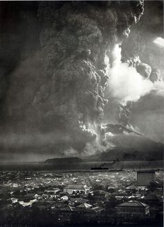 Sakurajima, 桜島,1914 eruption as seen from Kago