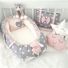 Ensemble eBabynest à Motif Etoile Grand Modèle Gris Modastra Modastra Gri Minik Ve Büyük Yıldız Desenli eBabynest Seti Ensemble eBabynest à Motif Etoile Grand Modèle Gris Modastra Baby Nursery Bedding, Baby Bedroom, Baby Room Decor, Baby Nest Bed, Baby Sewing Projects, Foto Baby, Baby Furniture, Baby Crafts, Baby Accessories