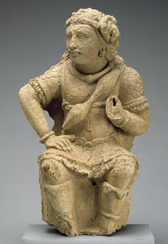 Door guardian (dvarapala) with a bow [Pakistan] Kushan Peiod in Indian Art Stucco AD, Central and North Asia Historical Artifacts, Ancient Artifacts, Ancient History, Art History, Pakistan, Bronze Age Civilization, Alexandre Le Grand, Asian Sculptures, Religion