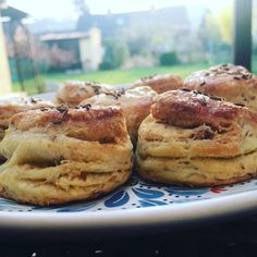Biscuits, French Toast, Breakfast, Instagram, Food, Crack Crackers, Morning Coffee, Cookies, Essen